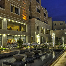 Shiraz Zandiye Hotel